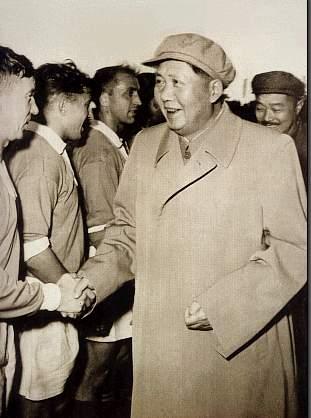 Mao Zedong & He Long Meet USSR Players