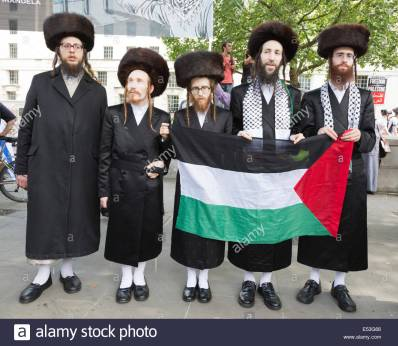 london-uk-19-july-2014-orthodox-jews-joined-the-protest-against-israel-E53G66