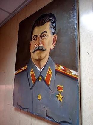 StalinLugansk-01
