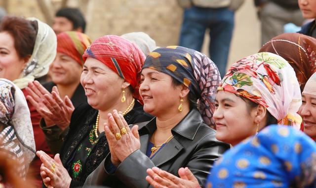 Uighur-24c0-fyqwiqi8554355 (1)